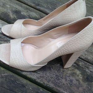 Talbots Women's 9 Beige Leather Block High Heels